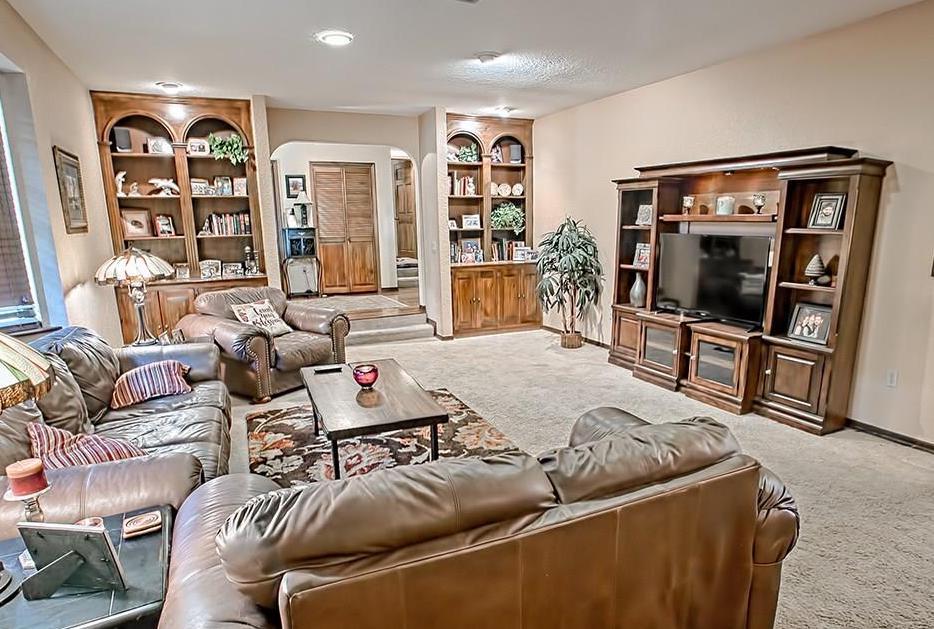 Living Room In Lakefront Neighborhood Home For Sale In Leesburg, Fl
